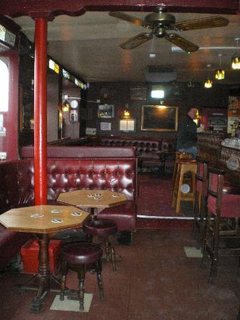 Jordan's American Bar: Inside