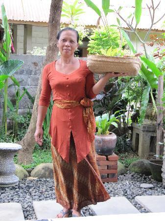 Sandat Bali: Wayan 'Mama'