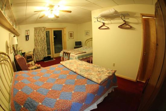 A Taste of Alaska Lodge: Room #5, Double Room