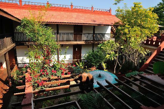 Thurizza Hotel Bagan: Interior area of hotel