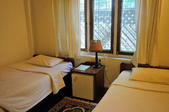 Thurizza Hotel Bagan: Standard room where I briefly rested