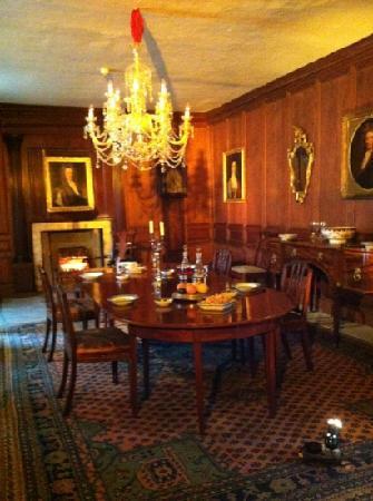 Provost Skene's House: dining room