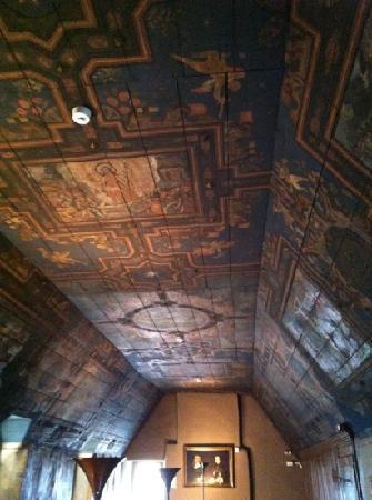 Provost Skene's House: painted ceiling