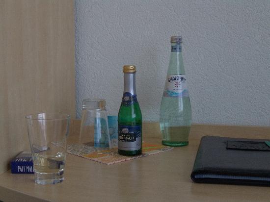 Hotel Kammweg: Eine Flasche Sekt!