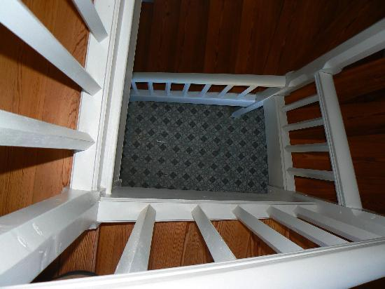La Trimardière : L'escalier menant aux chambres