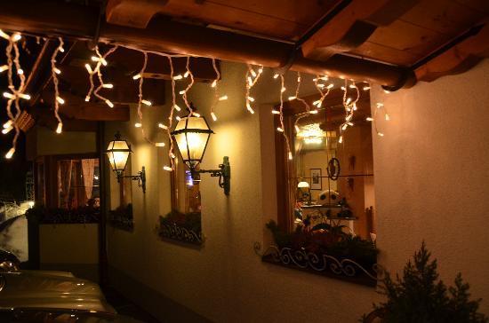 Hotel Brunnenhof: Evening impression
