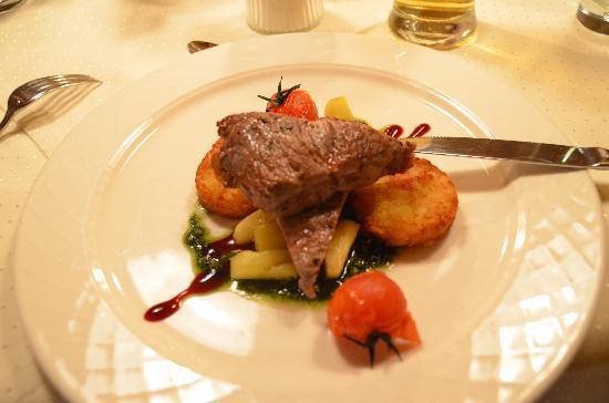 Hotel Brunnenhof: Lovely main course