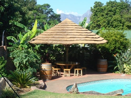 Haus Perlenblick : Sitzecke am Pool
