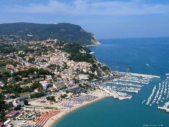 Ristorante il corallo summer village in ancona con cucina pizza e pasta - Ristorante il giardino ancona ...