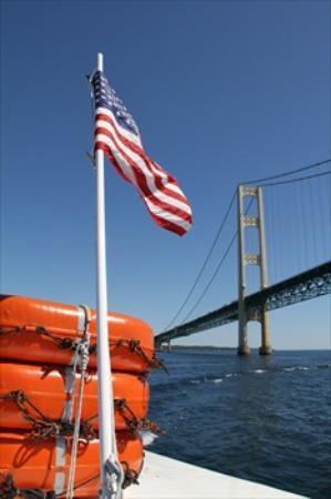 Best Western Harbour Pointe Lakefront: Mackinac Bridge