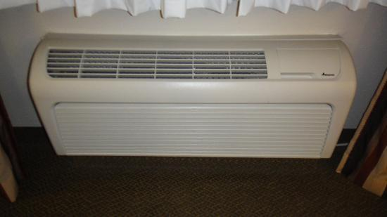 Candlewood Suites - Houston Park Row: AC unit