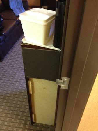 """BEST WESTERN PLUS Newport Beach Inn: Mind the 10"""" overhang in the dark! Ouch!"""