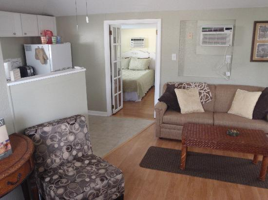 The Cottages At Madeira Beach: Cottage 3 One Bedroom