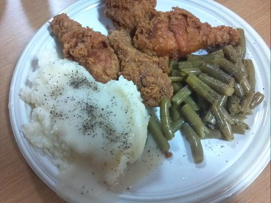 Vandalia, MO: Fresh hot fried chicken, mashed potatoes, and green beans  from the buffet.