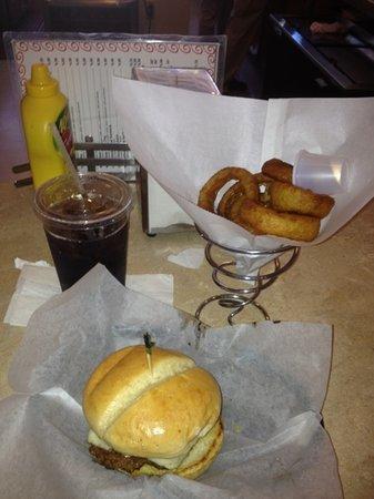 BubbaLu's Bodacious Burgers & Classy Dogs