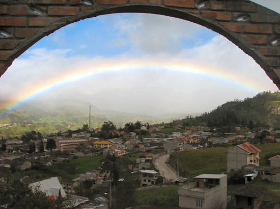 Hostal Achik Wasi: View of rainbow over Saraguro