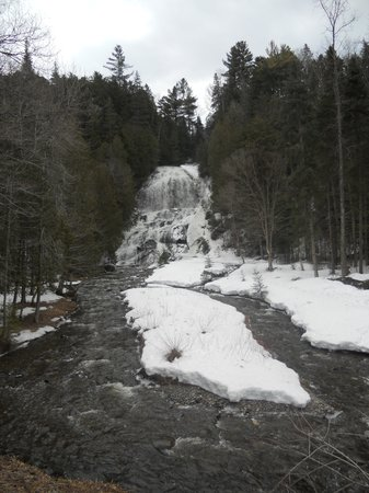 Beaver Brook Falls Natural Area: Waterfall in February
