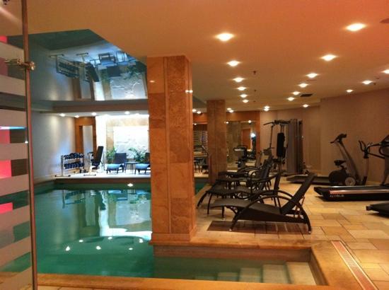 Divani Palace Larissa: gym, spa and pools area