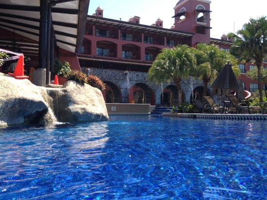 Los Suenos Marriott Ocean & Golf Resort: just one of many sections of the large pool