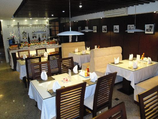 Hanoi Moment Hotel: Breakfast restaurant