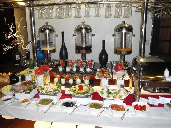 Hanoi Moment Hotel 2: Breakfast Buffet