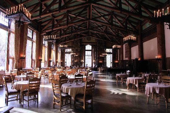 The ahwahnee hotel dining room picture of the majestic for Design hotel yosemite