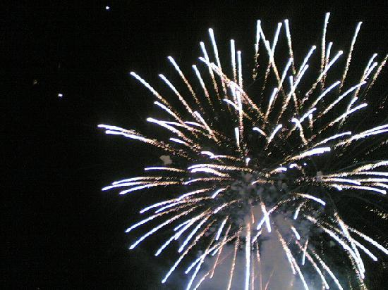 Fuochi d'artificio per festeggiare Ferragosto a Ginosa marina - Picture of Marina di Ginosa ...