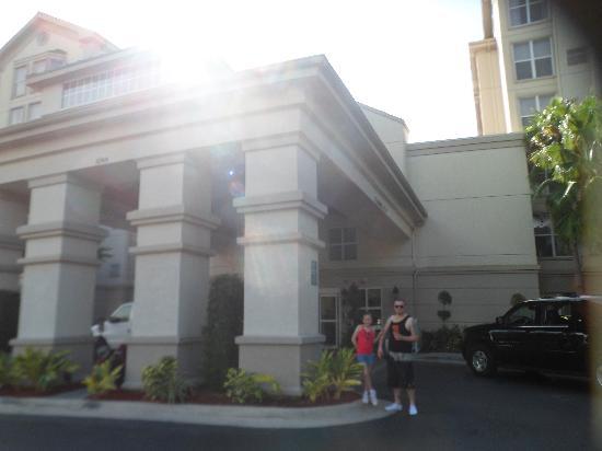 Homewood Suites Orlando-International Drive/Convention Center: Exterior