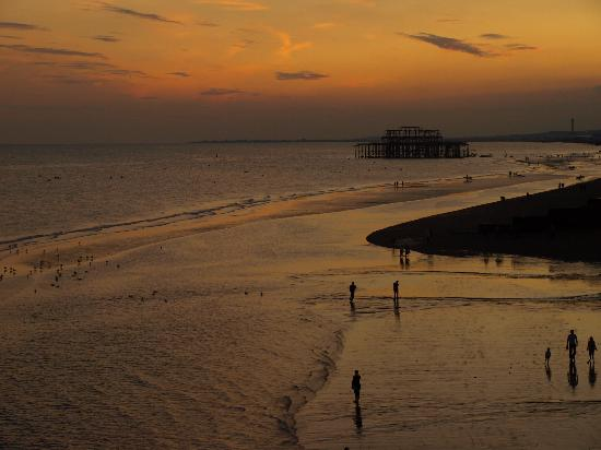 Brighton Beach: sunset