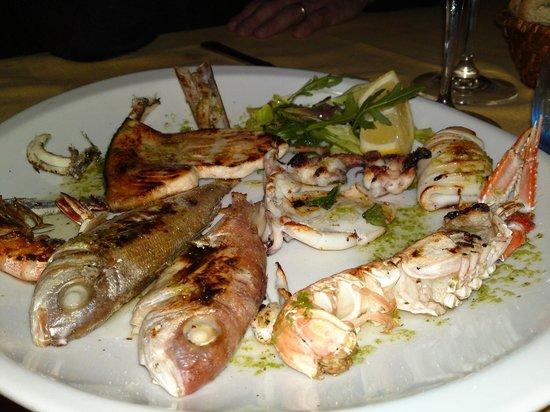 Ristorante La Spagnola: Grigliata di pesce fresco