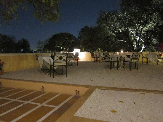 Royal Heritage Haveli : Outdoor dinner area
