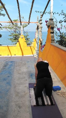 El Encanto: yoga on the rooftop with the ocean