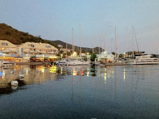 Le France: on a beautiful secluded marina