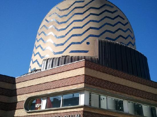 IMAX Tycho Brahe Planetarium : outside