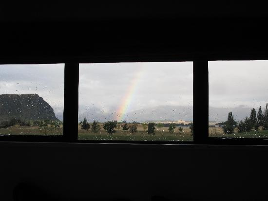 Mountain Range Boutique Lodge: Triptych - view from McKerrow