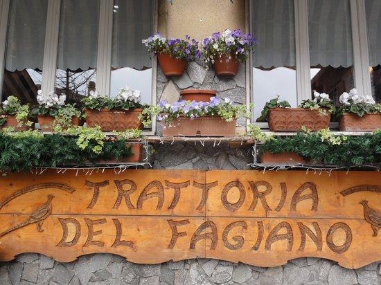 Moltrasio, Italia: insegna