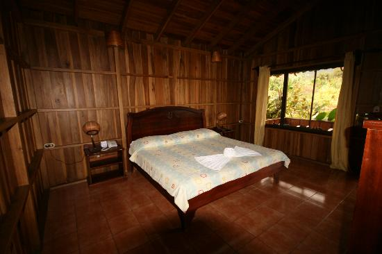 Hotel La Pradera: inside superior bungalow