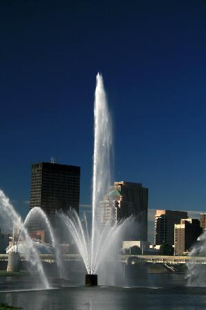 RiverScape MetroPark : Five Rivers Fountains of Light, Downtown Dayton in the Background