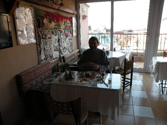 Mystic Hotel: salle du petit déjeuner