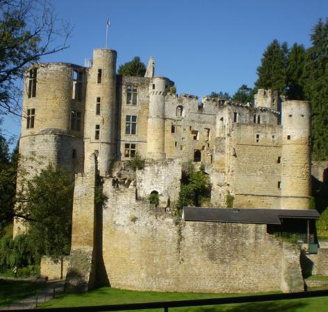 Beaufort Castles: Beaufort Castle AD 2011