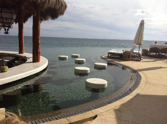The Resort at Pedregal: swim up bar