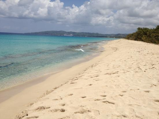 Sandy Point National Wildlife Refuge : looking towards Frederiksted, St Croix