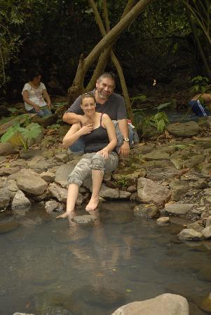 Michoacan, Mexiko: mi marido y yo en los nacimientos de las aguas termales