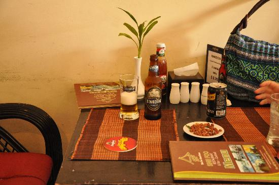 Sinh Foo Guest House: Sinh Foo with a Kingdom before the meal