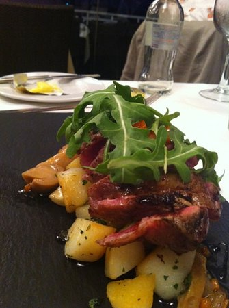 El Mirador: iberico delicious but only comes as rare so only for blood lovers !!