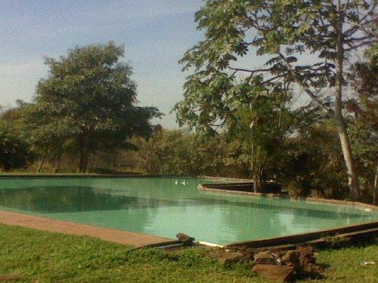Michoacan, Meksika: alberca de agua fria publica del kauar tikuri