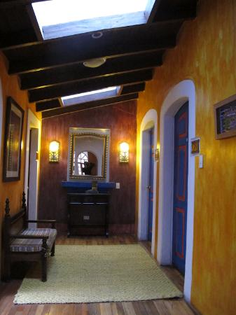 La Casa Sol Bed and Breakfast: Hallway
