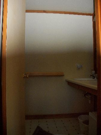 Deer Harbor Inn: Bathroom