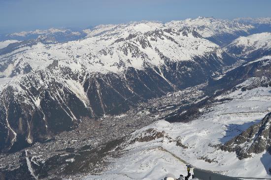 Ski Breezy - Chalet D'Ile: Chamonix from Aiguille du Midi