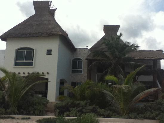 Chicxulub Puerto, Mexico: The house from the beach.